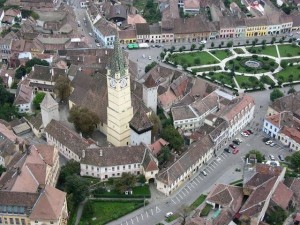 This is a nice shot of (what I sincerely hope is) the fortified church Boner stayed close to in Medias.
